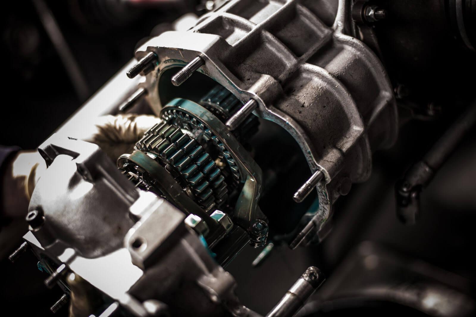 Двигатель и трансмиссия